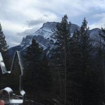 De uitsteker in de bergen bij Banff door Yvonne Laanstra-Rooth