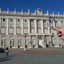 Uitsteker bij het Koninklijk Paleis in Madrid door Marianne de Zwart