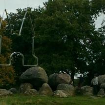 Bij de hunebedden in Drenthe door Marian Rossing-Booij